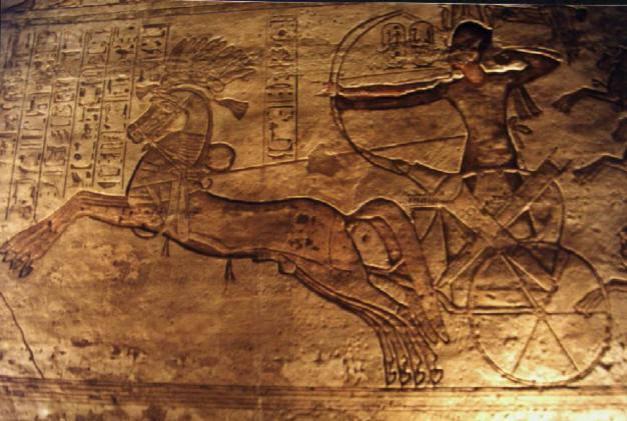 Relieve de Ramsés II en la batalla de Qadesh, templo de Abu Simbel (fuente artehistoria.com)