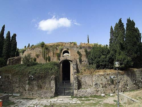 Imagen actual del mausoleo de Augusto en Roma