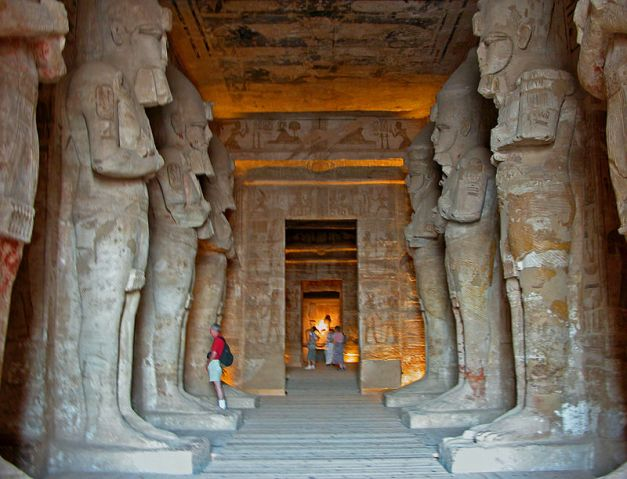 Sala hipóstila del gran templo de Abu Simbel