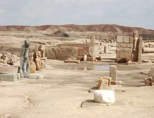 Vista parcial de los restos de Pi-Ramsés