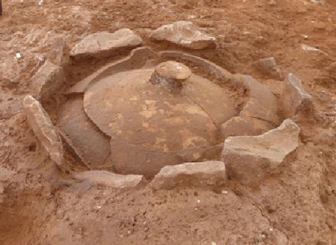 Urna procedente de la necrópolis de Ulldecona. Imagen extraída de la Universitat de Barcelona