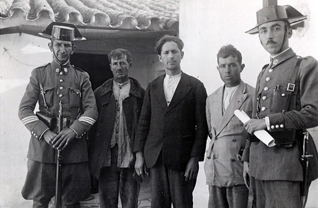 Fotografía de algunos jornaleros detenidos en los sucesos de Casas Viejas