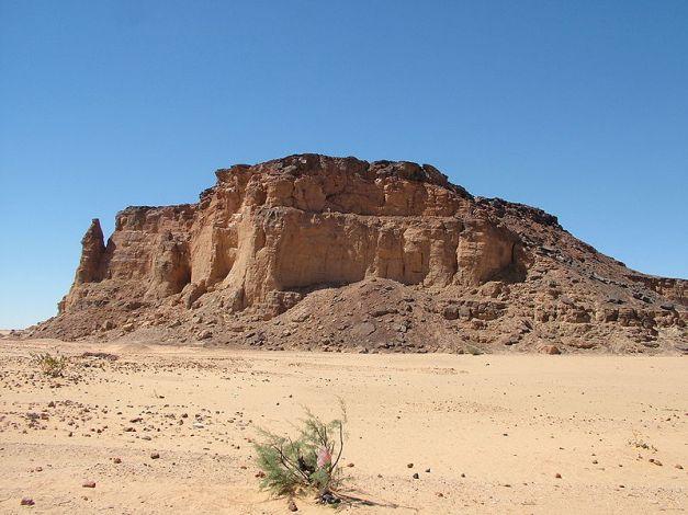 La montaña sagrada de Djebel Barkal en la actualidad (Wikimedia Commons)