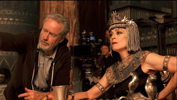 El director Ridley Scott junto a Sigourney Weaver